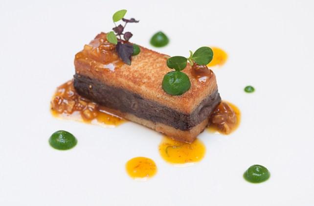 fegatino di pollo come un foie gras con arancia, basilico e fichi