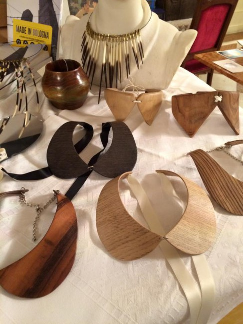 wood-fashion-jewelry