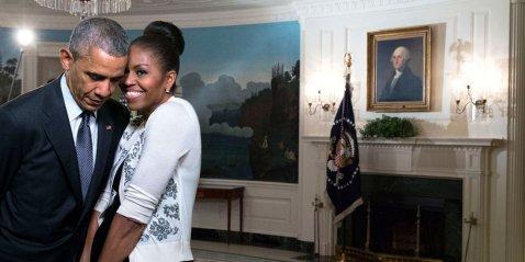 Taken from http://www.businessinsider.com/obama-romantic-photos-2016