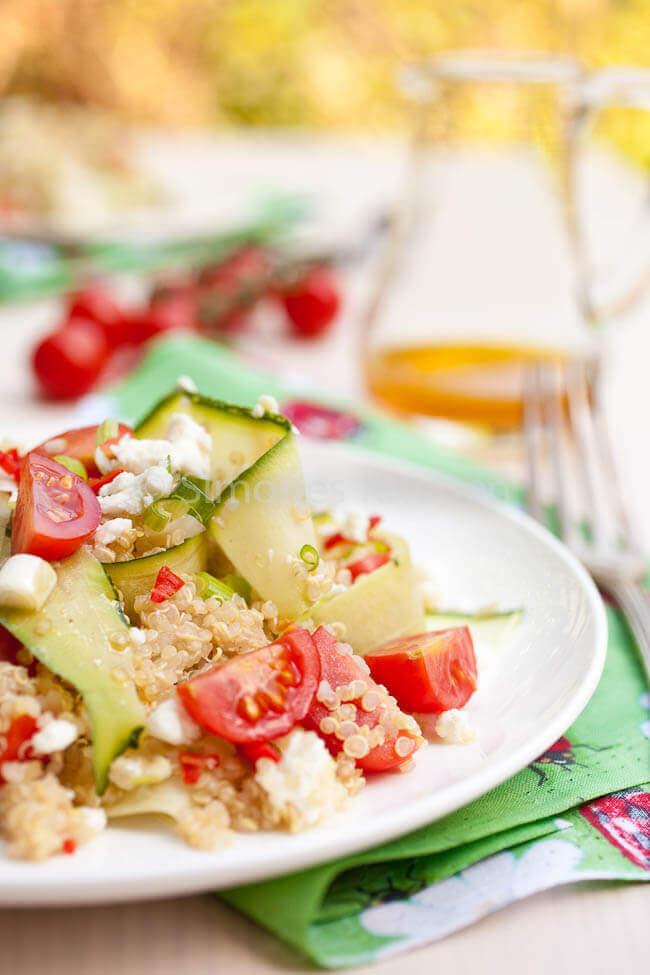 Quinoa salade met courgette en feta