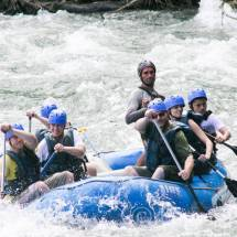 White water rafting op de sarapique rivier, costa rica | simoneskitchen.nl