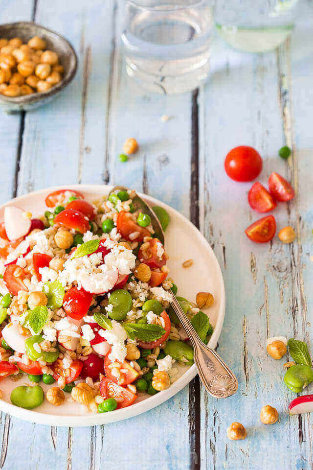 Salade met tuinboontjes, granen en feta | simoneskitchen.nl