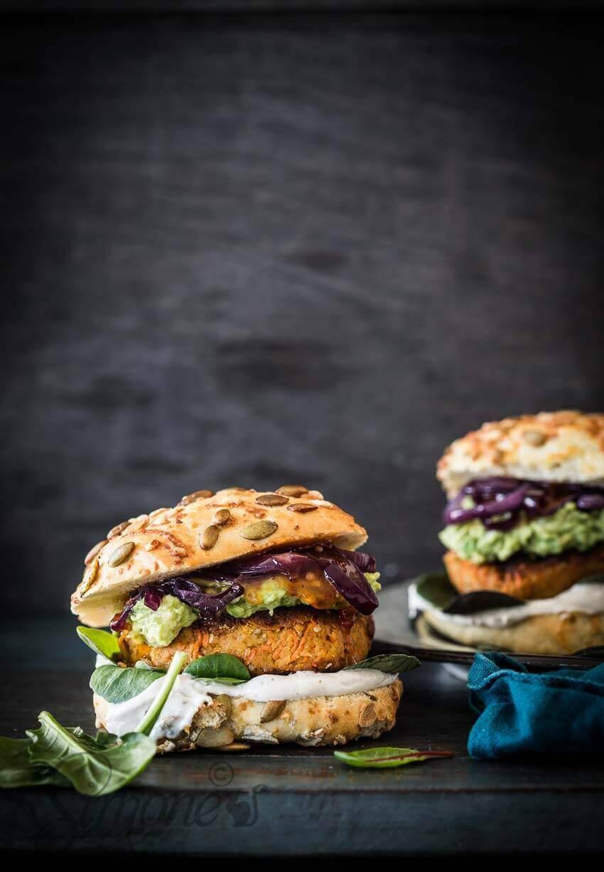 Wortel-sesam en kikkererwt burger   simoneskitchen.nl