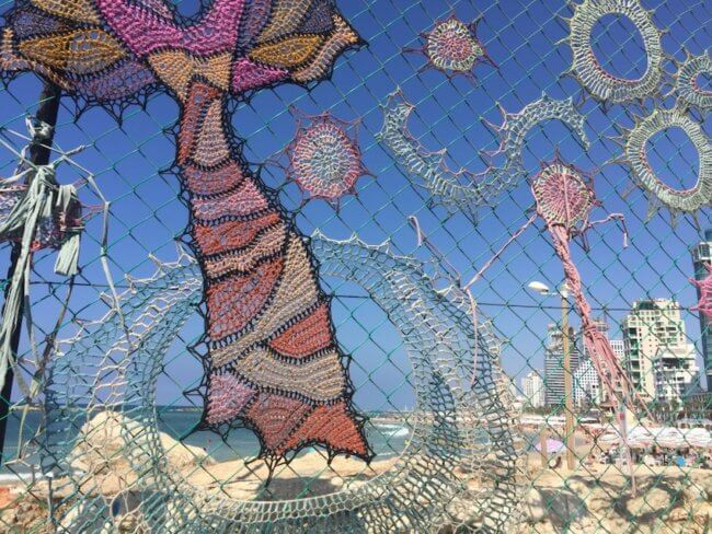 Kunstwerk langs de kust van Tel Aviv - gratis tips voor tel aviv