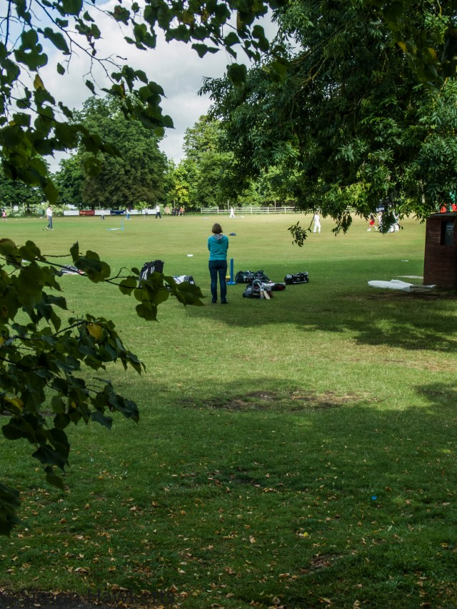 Ricoh GXR and P10 sample pictures - Watching boys playing cricket