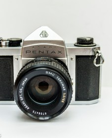 Pentax S1a 35mm slr front view