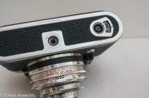 Voigtlander Vito automatic 35mm viewfinder camera showing film counter