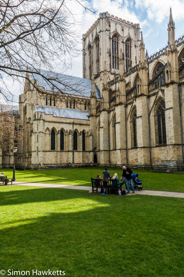 Sony Nex 6 pictures - A group outside York Minster