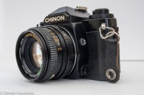 Chinon CE-4 - Sync socket and exposure lock