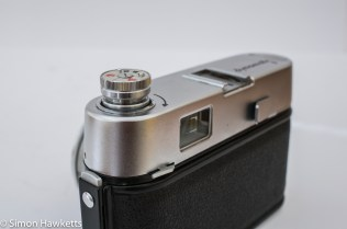 Voigtlander Dynamatic II 35mm rangefinder camera showing rewind knob popped up