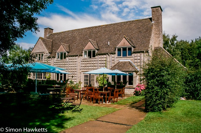 Minolta Dynax 505si Super sample pictures  - Tearoom at snowshill manor