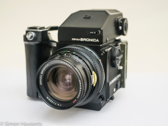Bronica ETRsi with AE finder and 40mm lens