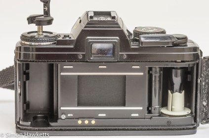 Minolta X-700 35mm slr film chamber and data contacts