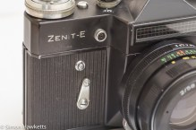 Flash sync socket and self timer on the Zenit E