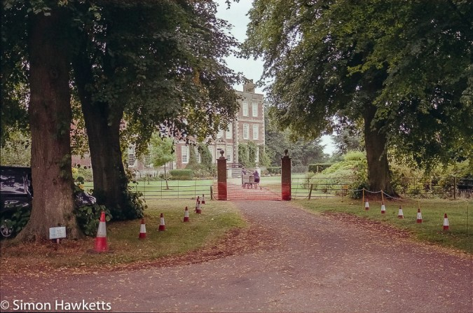 Minolta Dynax 700si sample pictures - Gunby Hall
