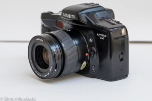 Minolta Dynax 7xi 35mm autofocus slr - Side view showing flash, auto/manual focus and lens release