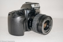 Minolta Dynax 300si 35mm autofocus camera - side view