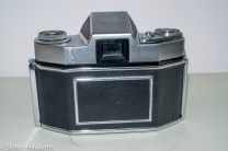 Exakta Exa II 35mm slr camera - back of camera showing shutter release lock