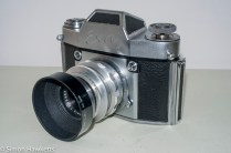 Exakta Exa II 35mm slr camera - shutter release and lens release