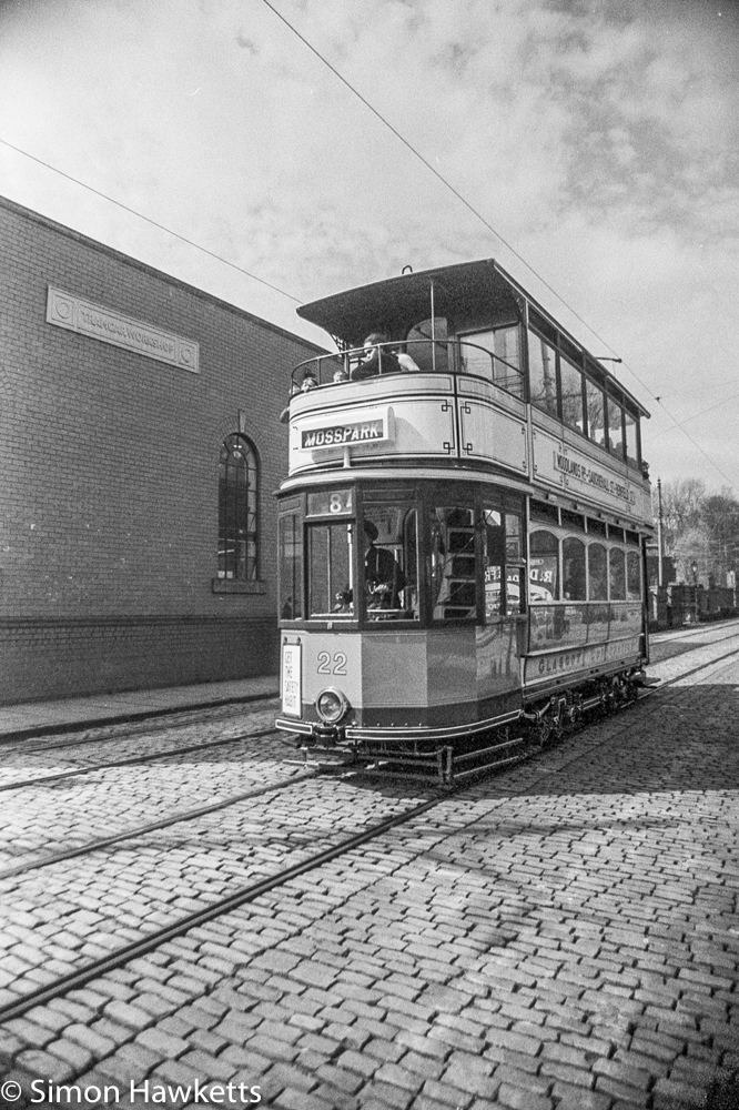 Pentax MZ-3 and Ilford HP5+ - Moss Park Tram