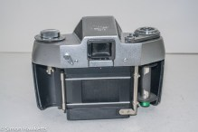 Ihagee Exakta IIa 35mm camera - rear view with back removed