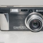 Ricoh Caplio R1v digital compact camera