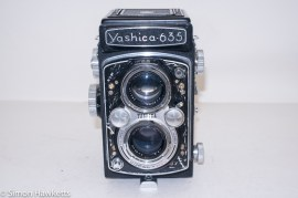 Yashica 635 TLR front view with trim missing