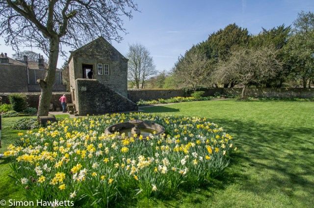 Eyam Hall Pictures - The garden and gardeners lodge