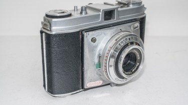 Kodak Retinette Type 22 35mm camera - Side view showing flash sync
