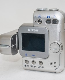 Nikon Coolpix SQ - Back of camera with lens unit open