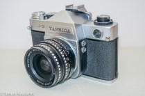 Yashica J-3 35mm slr camera - Side view showing light sensor