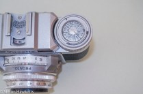 Braun Paxette viewfinder camera - Film type reminder on rewind crank