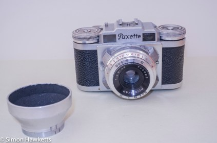 Braun Paxette viewfinder camera - Lens hood and filter removed