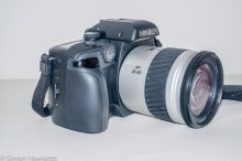 Minolta Dynax 60 SLR - Side view showing hand grip