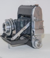 Waltax Junior Camera - Side view showing struts