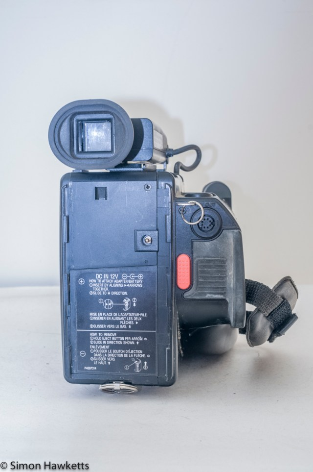Hitachi VM-C30E VHS-C camcorder - rear view
