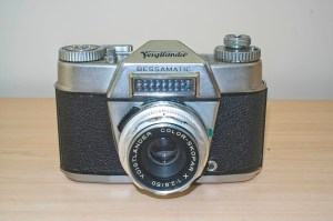 Voigtlander Bessamatic 35mm SLR : Front view