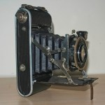 Ihagee Ultrix Folding Camera : Side view showing struts