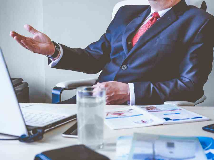 what to look for when hiring a leadership coach