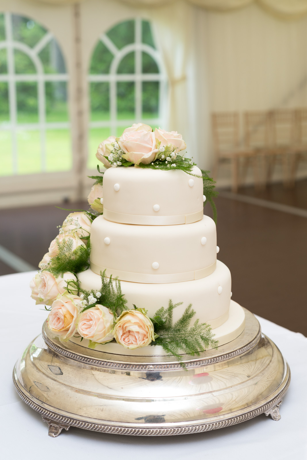 Elegant wedding cake 1