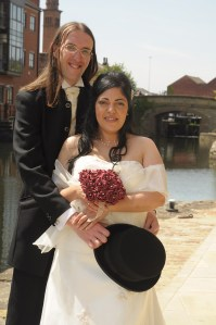 wedding-photo-example-with-added-light-or-reflector