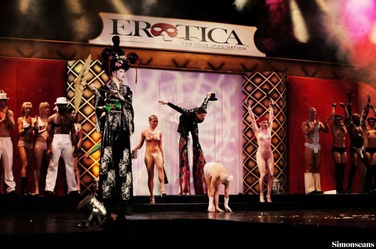 Erotica_2004_129