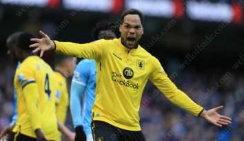 Joleon Lescott of Villa shouts