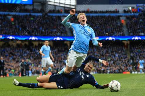 Pepe of Madrid fouls Kevin de Bruyne of Man City