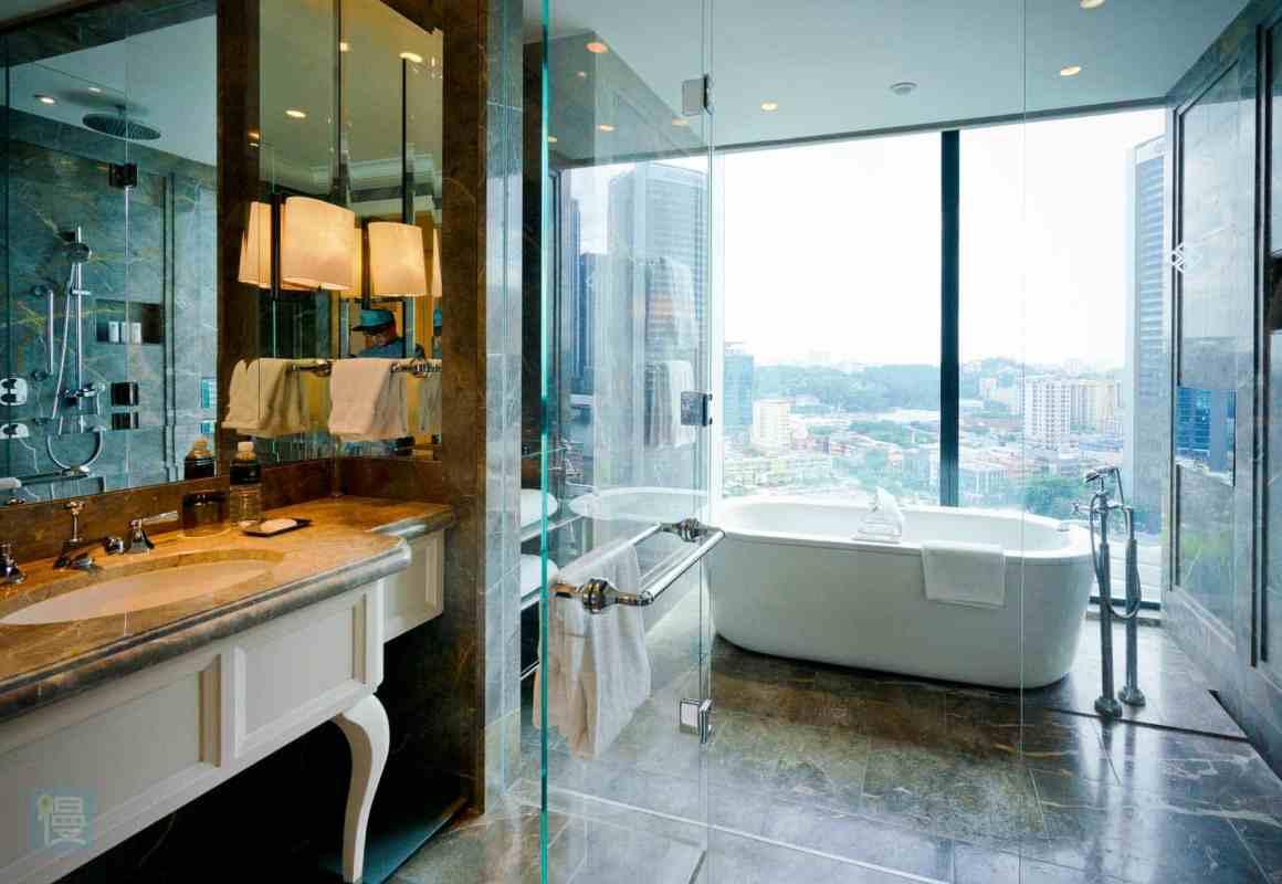 瑞吉套房豪華浴室