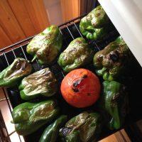 ピーマンとトマトを魚焼きグリルで焼く
