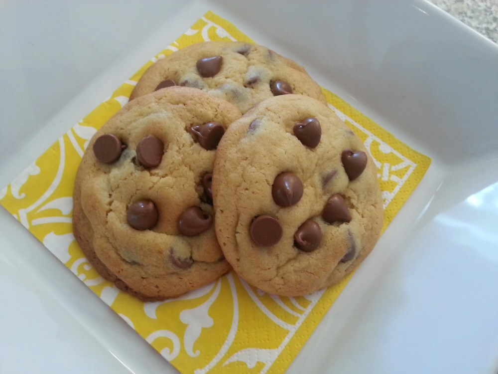 Soft & Chewy Chocolate Chip Cookies (1/2)