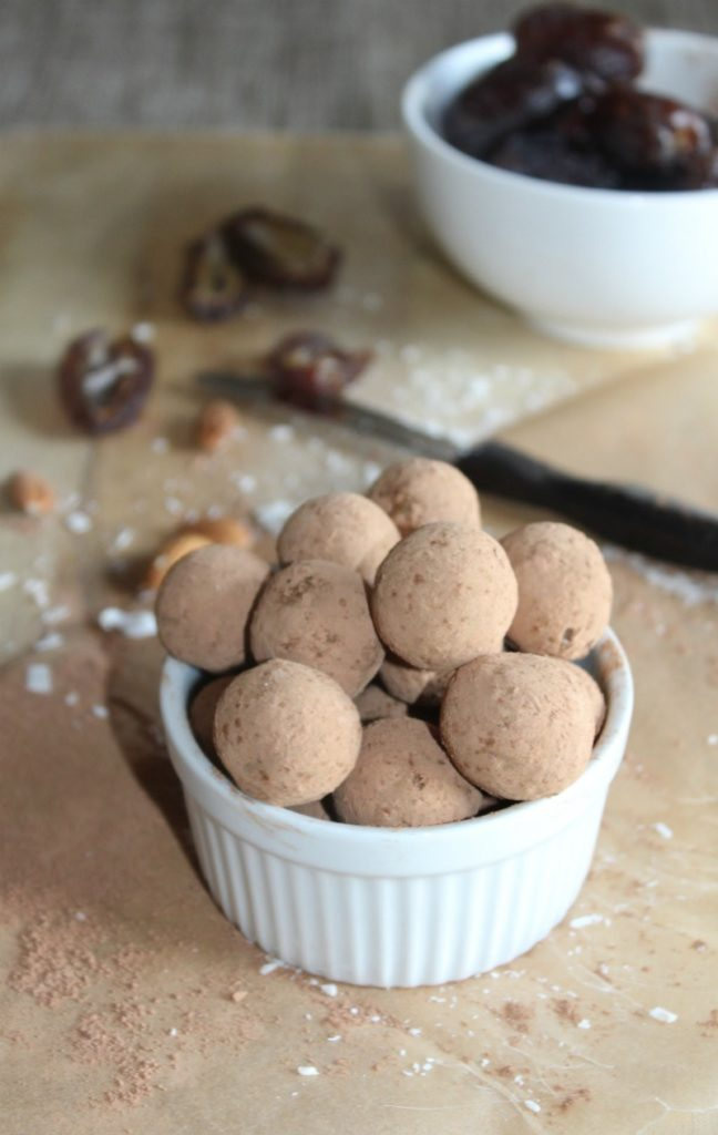 Dark Chocolate almond energy bites