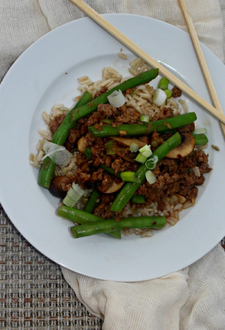 spicy-green-beans-and-ground-pork-simple-and-savory-com
