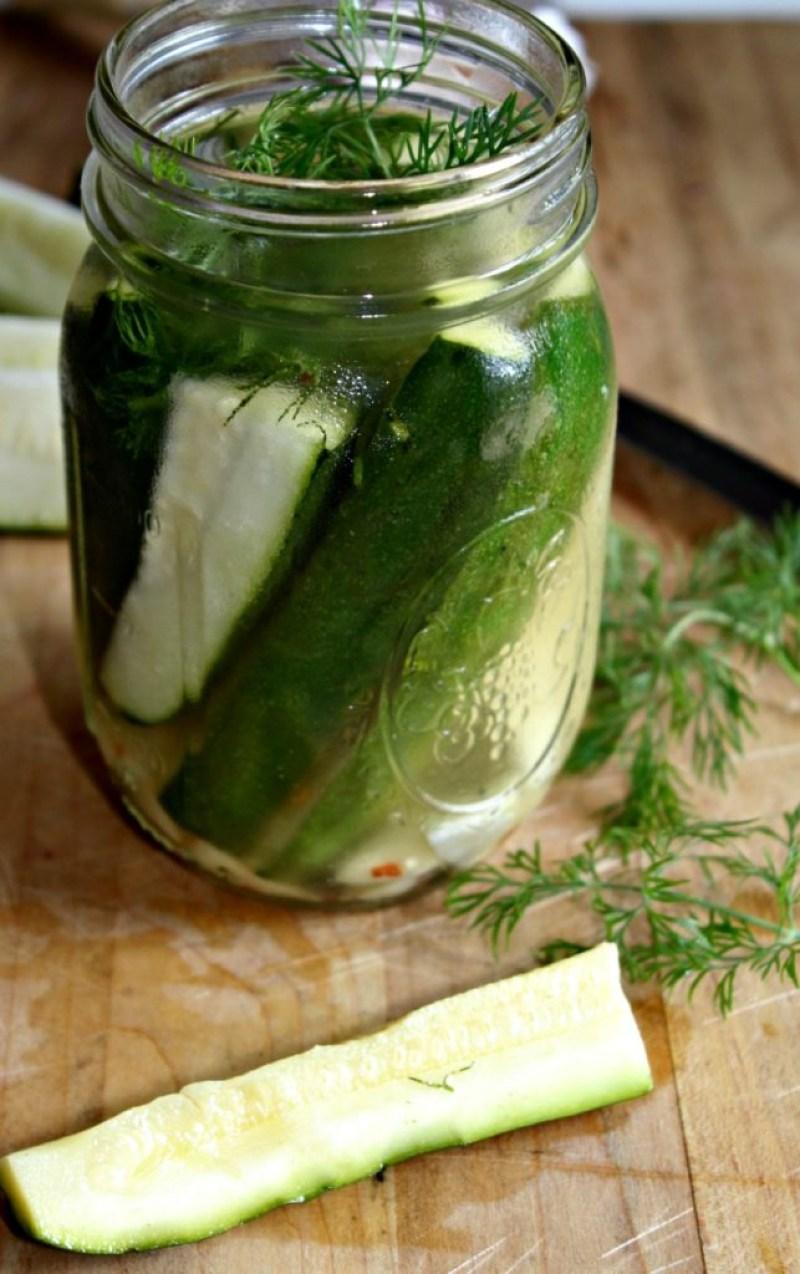 Zucchini garlic pickles simpleandsavory.com
